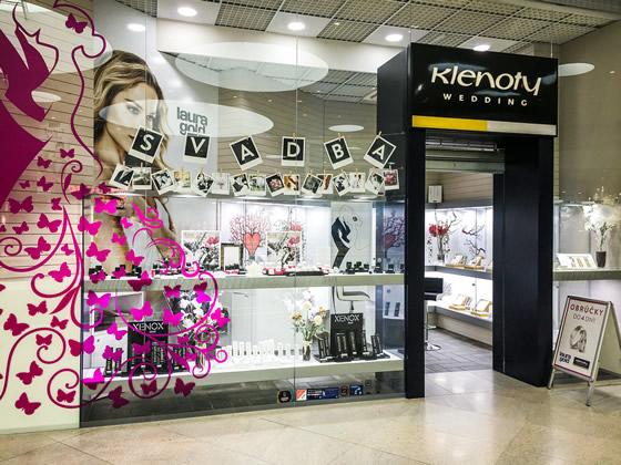 65abe899a Butik sa nachádza v novom nákupno-zábavnom centre Bory Mall v Bratislave a  ponúka rozmanitú paletu zlatých a strieborných zásnubných prstienkov, ...